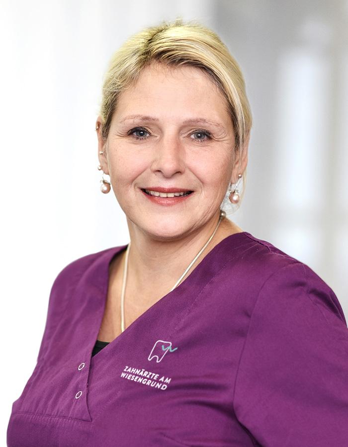 Frau Wetzel-Lüttmann, Frau Wetzel-Lüttmann